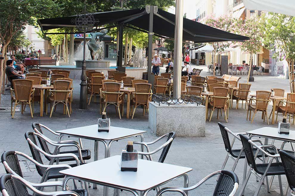 Las terrazas podr n instalarse desde las 08 00 leganews for Cine las terrazas
