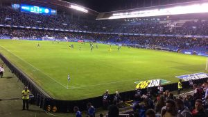 Imagen panorámica de Riazor, con el Leganés en el campo.