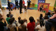 la-casita-policia-local-unidad-canina-chicos-colegio
