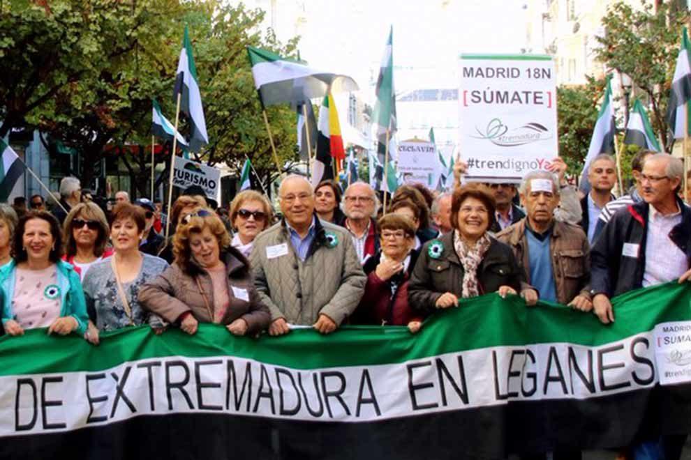 Attractive La Casa De Extremadura En Leganés Encabezó La Manifestación #TrenDignoYa    Leganews Comunicación