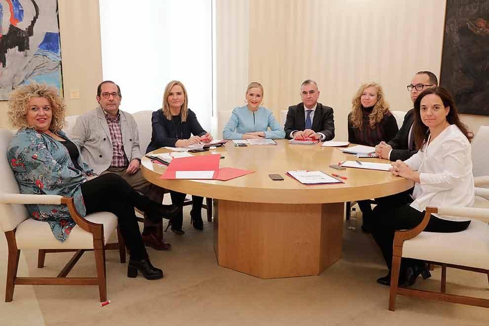 cifuentes-reunion-alcaldes-cercanias