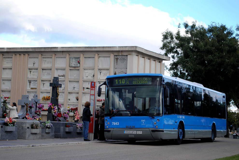 la comunidad refuerza el servicio de autobuses a cementerios con
